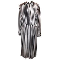 Chanel 1970s Navy & White Silk Striped Pleated Dress - 42