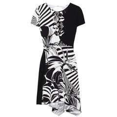 VERSACE Printed black and white silk-crepe dress