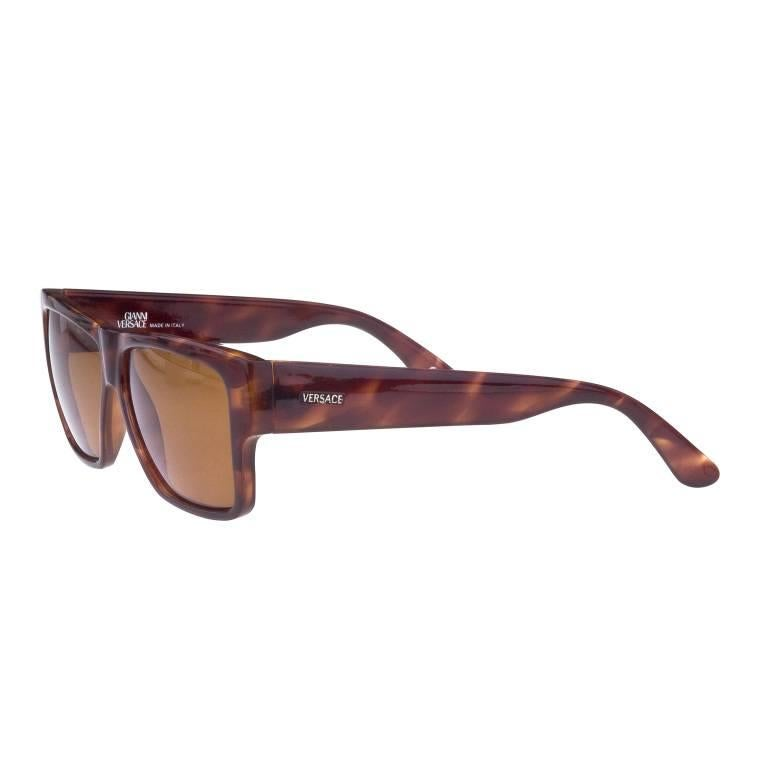 b8f51635ad Gianni Versace Sunglasses MOD 372 COL 900 TO For Sale at 1stdibs