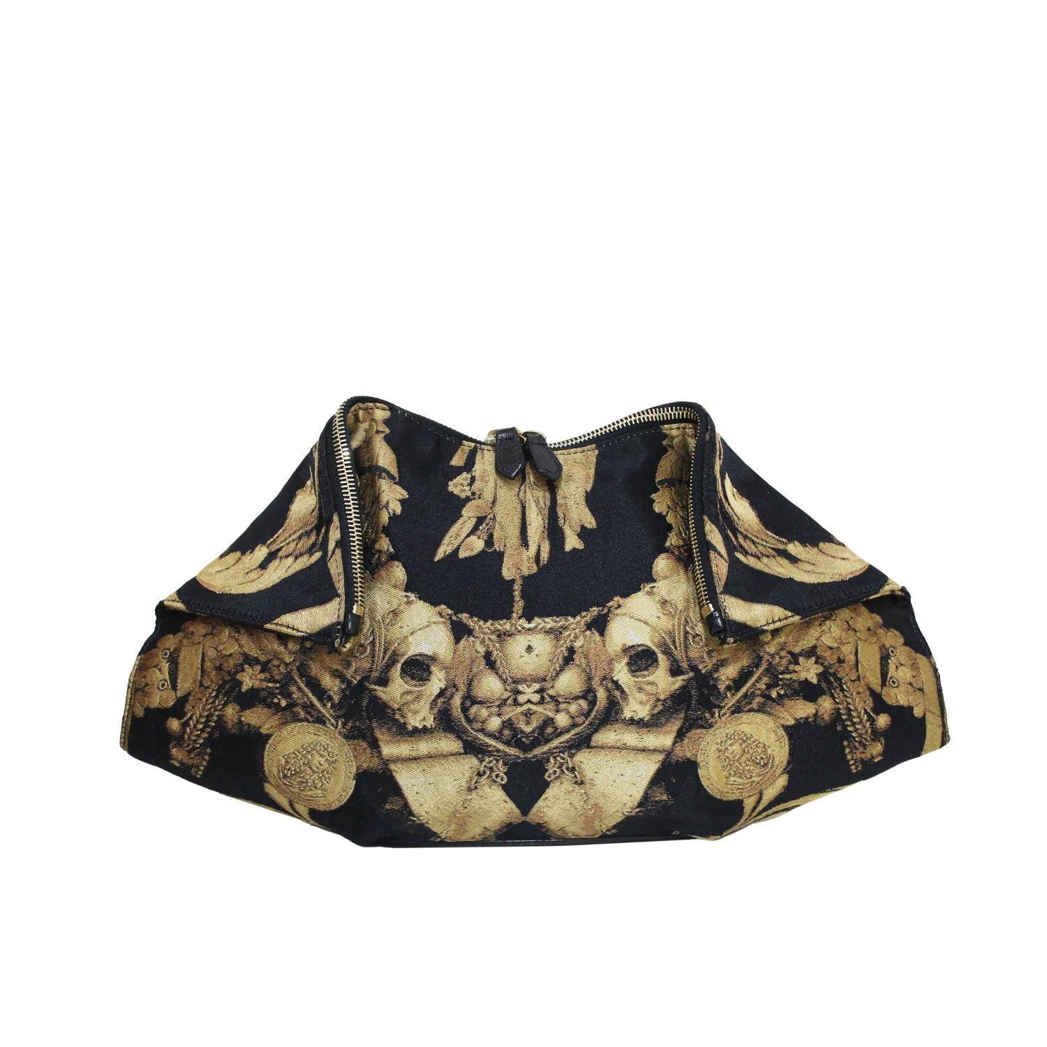One Of A Kind Archive Handbags and Purses - London, W11 1LR - 1stdibs