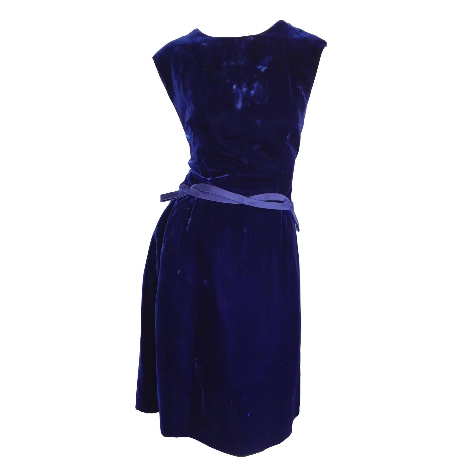 f59092d6016 1950s Suzy Perette Royal Blue Velvet 50s Vintage Dress w  Ribbon Belt  Detail For Sale at 1stdibs