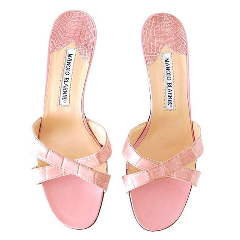 MANOLO BLAHNIK Mule Crocodile Shoe Baby Pink Divine  37 / 7  1