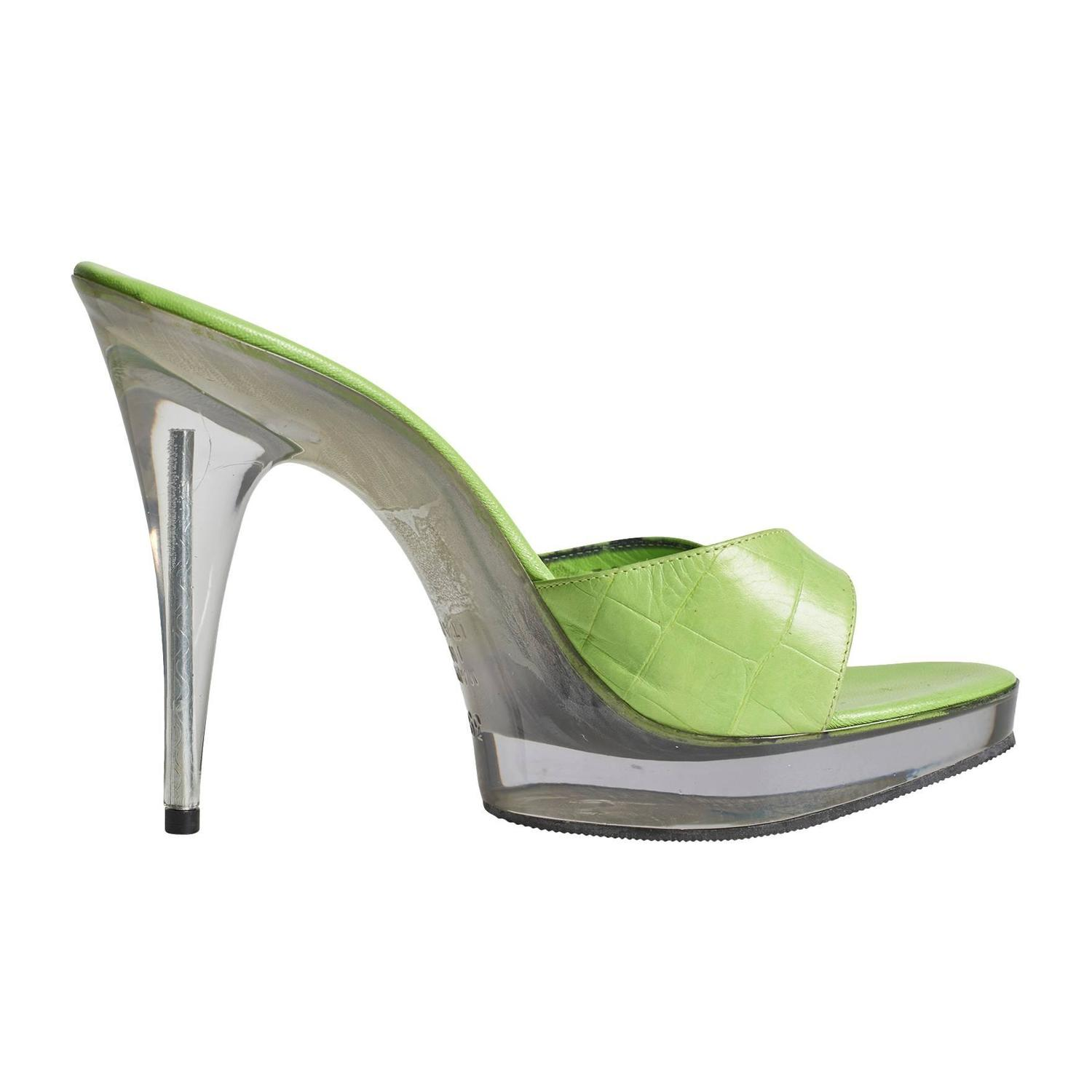 lime green heel with plastic platform and heel at
