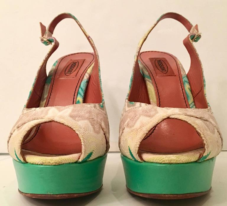 Id V 2900643 as well 57519 Oscar De La Renta furthermore Id V 661602 also Id V 1729353 likewise Id V 1605813. on oscar de la renta fabric for purchase