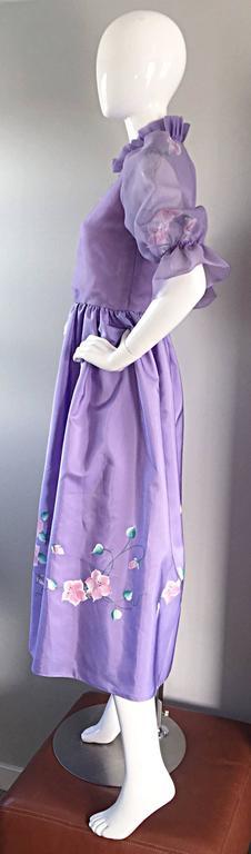 Women's Beautiful Vintage Richilene Light Purple / Lilac Hand Painted Flower Silk Dress For Sale