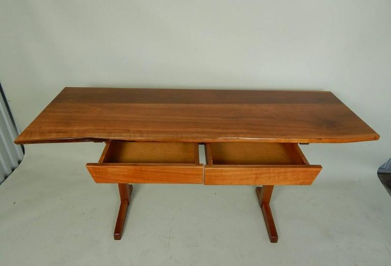 Cherry Desk by George Nakashima In Excellent Condition For Sale In Sea Cliff, NY