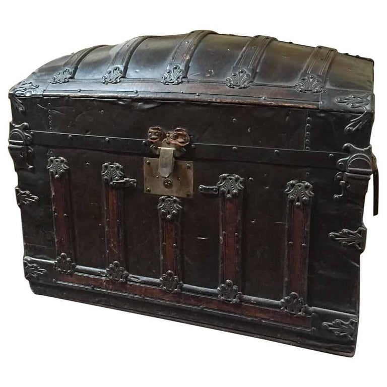 Antique Leather Trunk For At 1stdibs