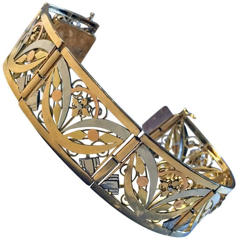 Art Nouveau 18K three colour gold Bracelet, France C.1900 For Sale