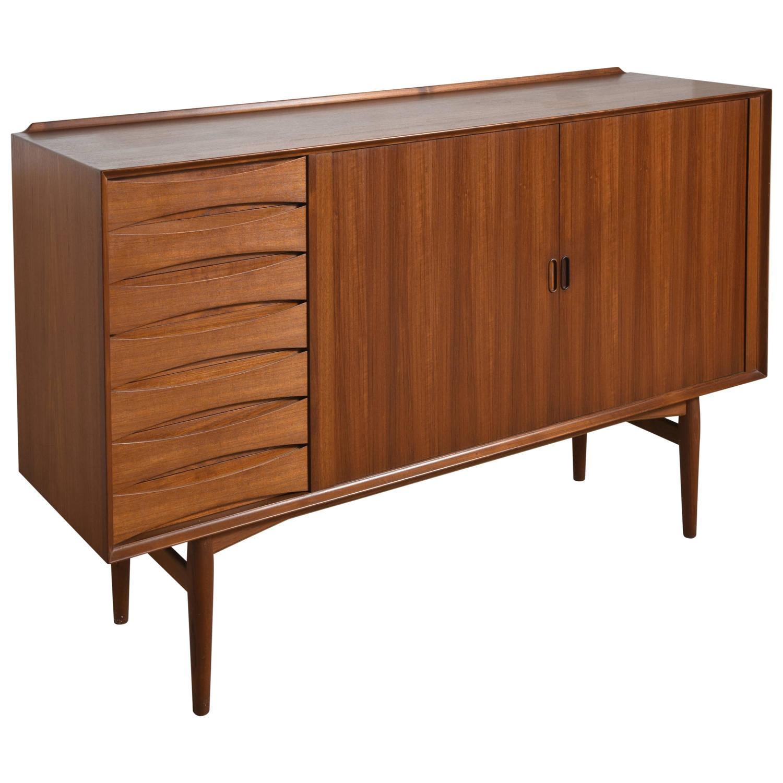 arne vodder high rosewood sideboard for sibast at 1stdibs. Black Bedroom Furniture Sets. Home Design Ideas