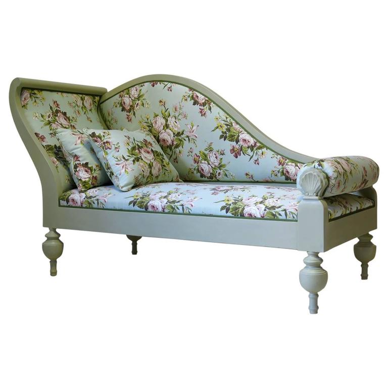 French Baroque Style Chintz-Upholstered Daybed, circa 1940s
