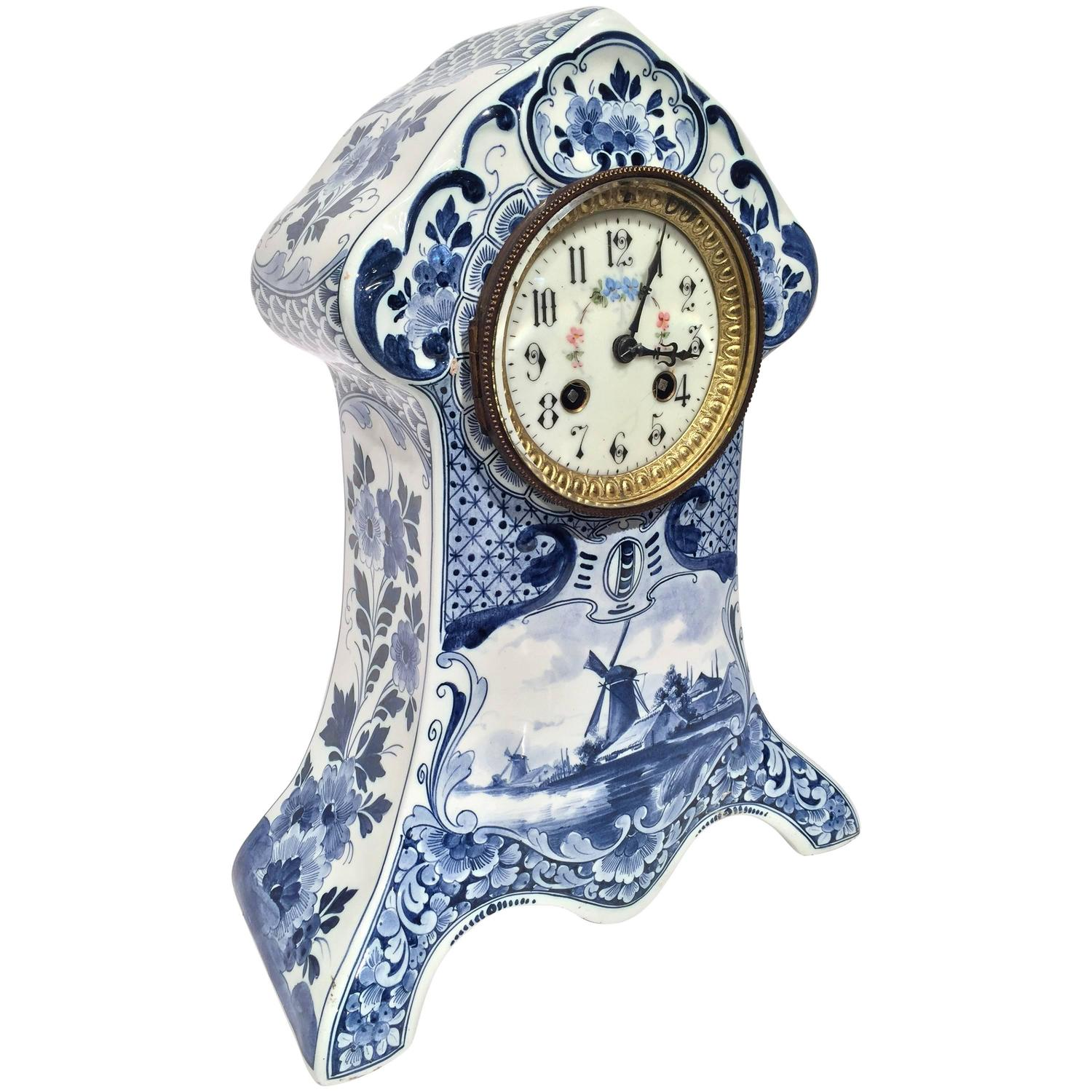 19th century blue and white handpainted delft mantel clock in working condition for sale at 1stdibs - Mantel Clock