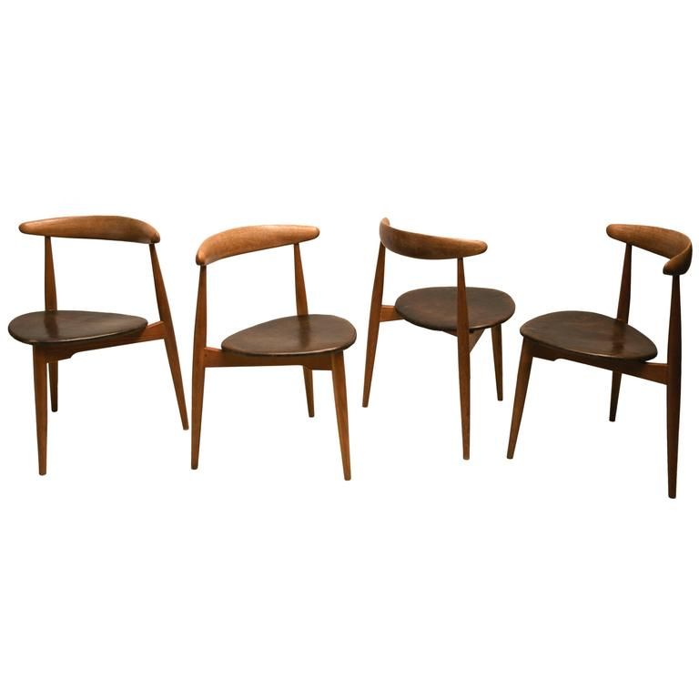 """Set of Four Stacking """"The Heart"""" Dining Chairs, Model FH-4103 by Hans Wegner For Sale"""