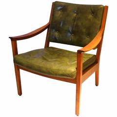 1950s American Modern Solid Walnut and Leather Wide Armchair by Gunlocke