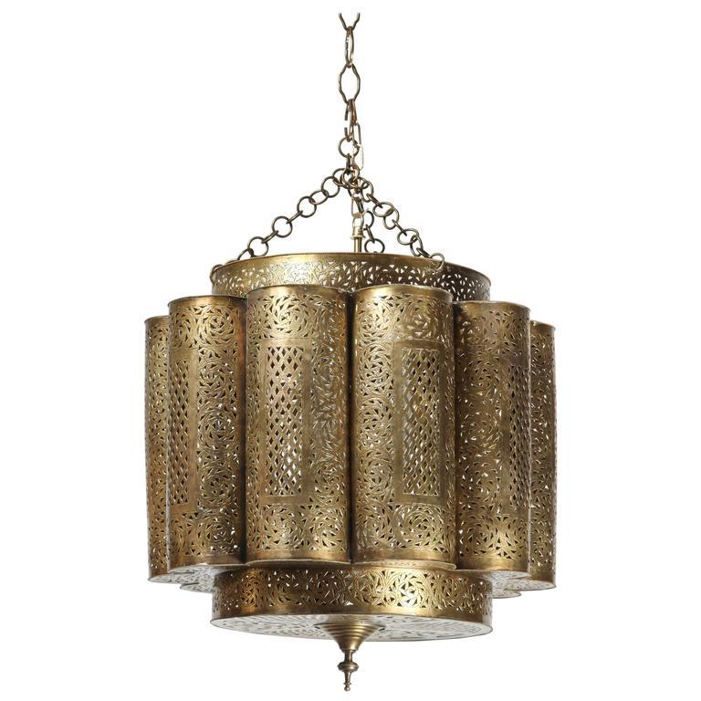 Large Pierced Brass Moroccan Chandelier in Alberto Pinto Style  1