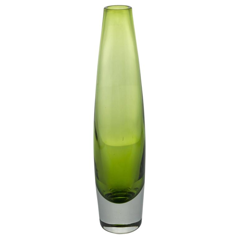 Modern Light Green Crystal Bud Vase
