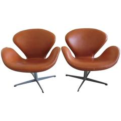Pair of Vintage Arne Jacobsen Fritz Hansen Swan Chairs