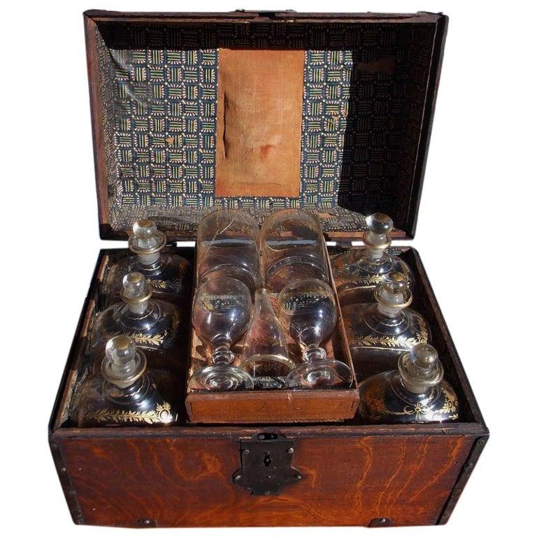 English Oak Liquor Bottle Traveling Case, Circa 1780 For Sale