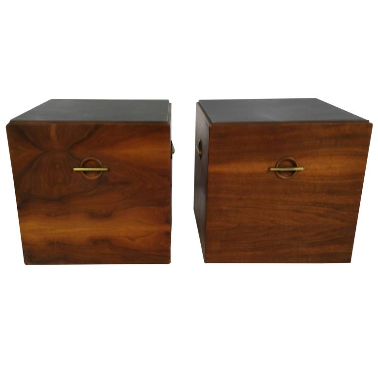 Midcentury Minimalist Cube Tables or Stands in Walnut and Brass by Lane For Sale