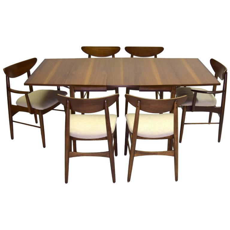 nine piece dining suite includes china cabinet, stanley furniture