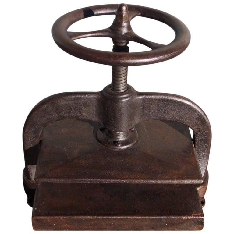 American Cast Iron Book Press.  Circa 1820 For Sale