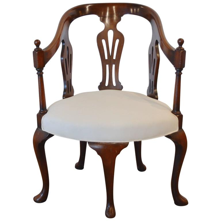 Queen Anne Five Legged Chair 18th Century For Sale At 1stdibs