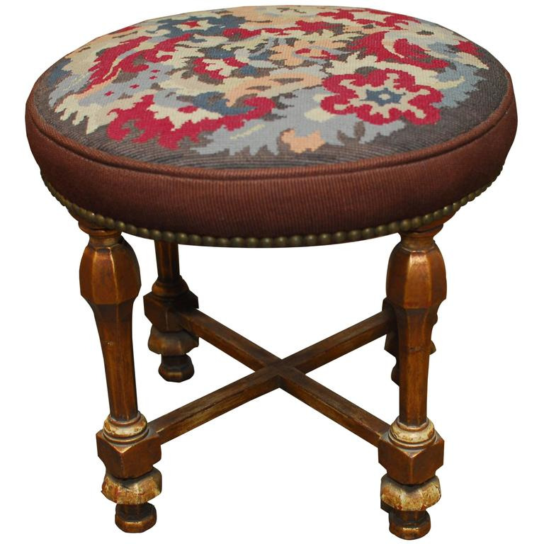louis xvi style giltwood tabouret stool for sale at 1stdibs. Black Bedroom Furniture Sets. Home Design Ideas