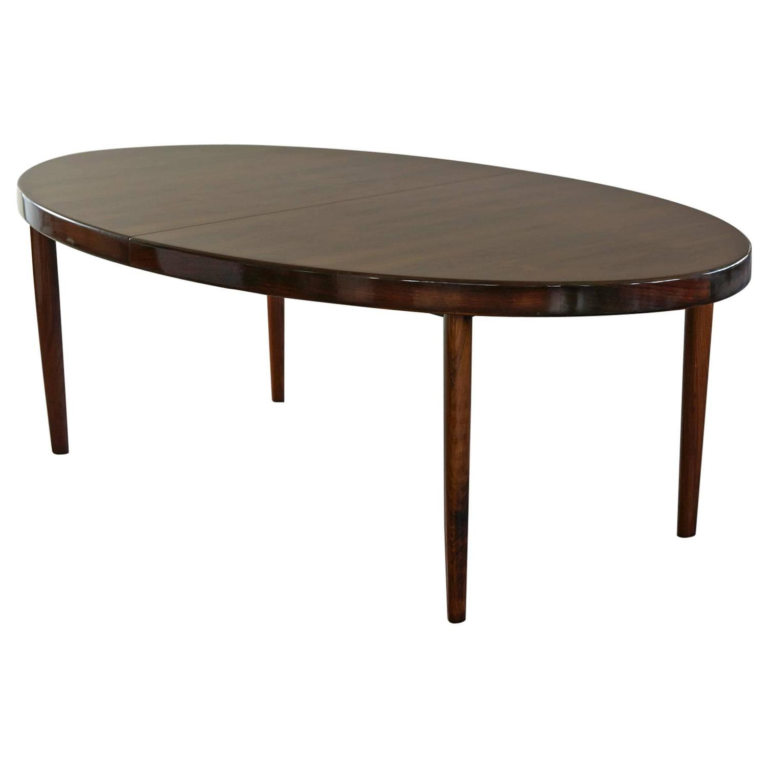 Rosewood oval extension dining table by johannes andersen for Extension dining table