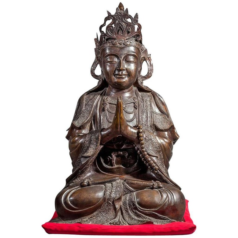 Chinese Bronze Sculpture of a Seated Buddha For Sale