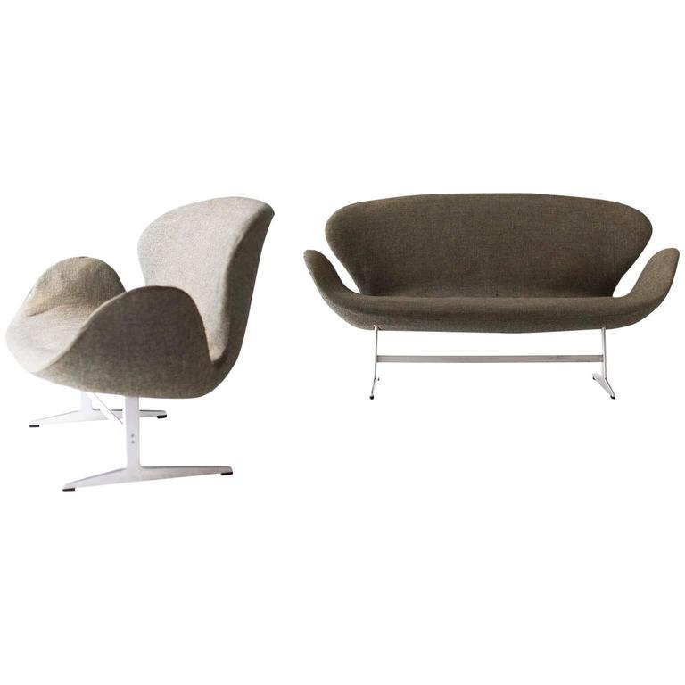 pair of arne jacobsen swan sofas for fritz hansen arne jacobsen furniture