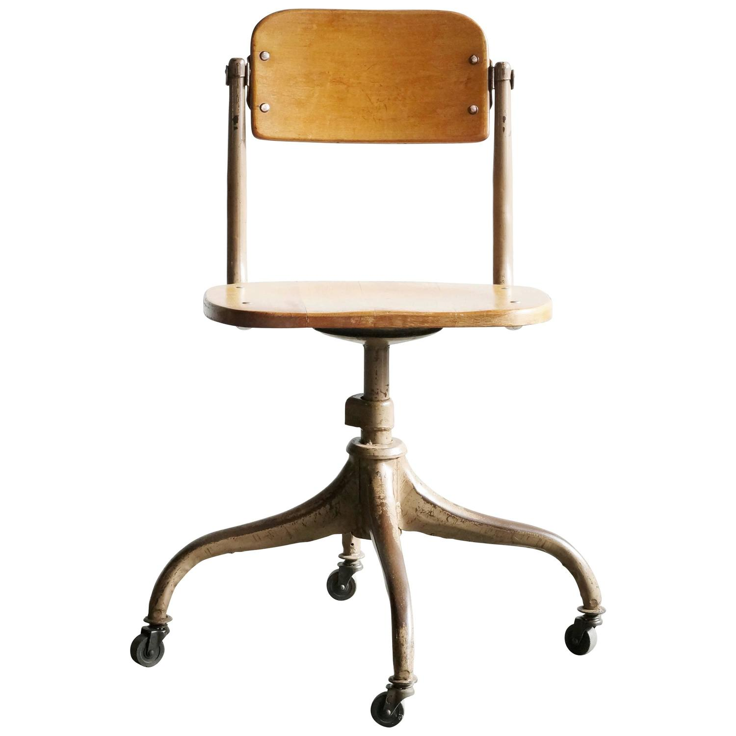 Classic 1940s Wood And Steel Schoolhouse Chair At 1stdibs