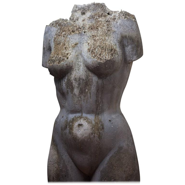 nude-female-torso-girl-on-top-giving-handjob-cumshot