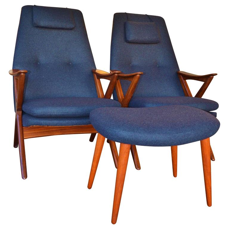Pair Of Scandinavian Teak Frame Scissor Lounge Chairs And Ottoman At 1stdibs