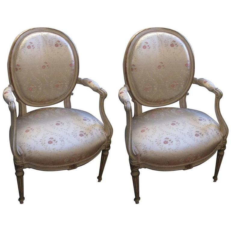 18th century french fauteuil cabriolet for sale at 1stdibs. Black Bedroom Furniture Sets. Home Design Ideas