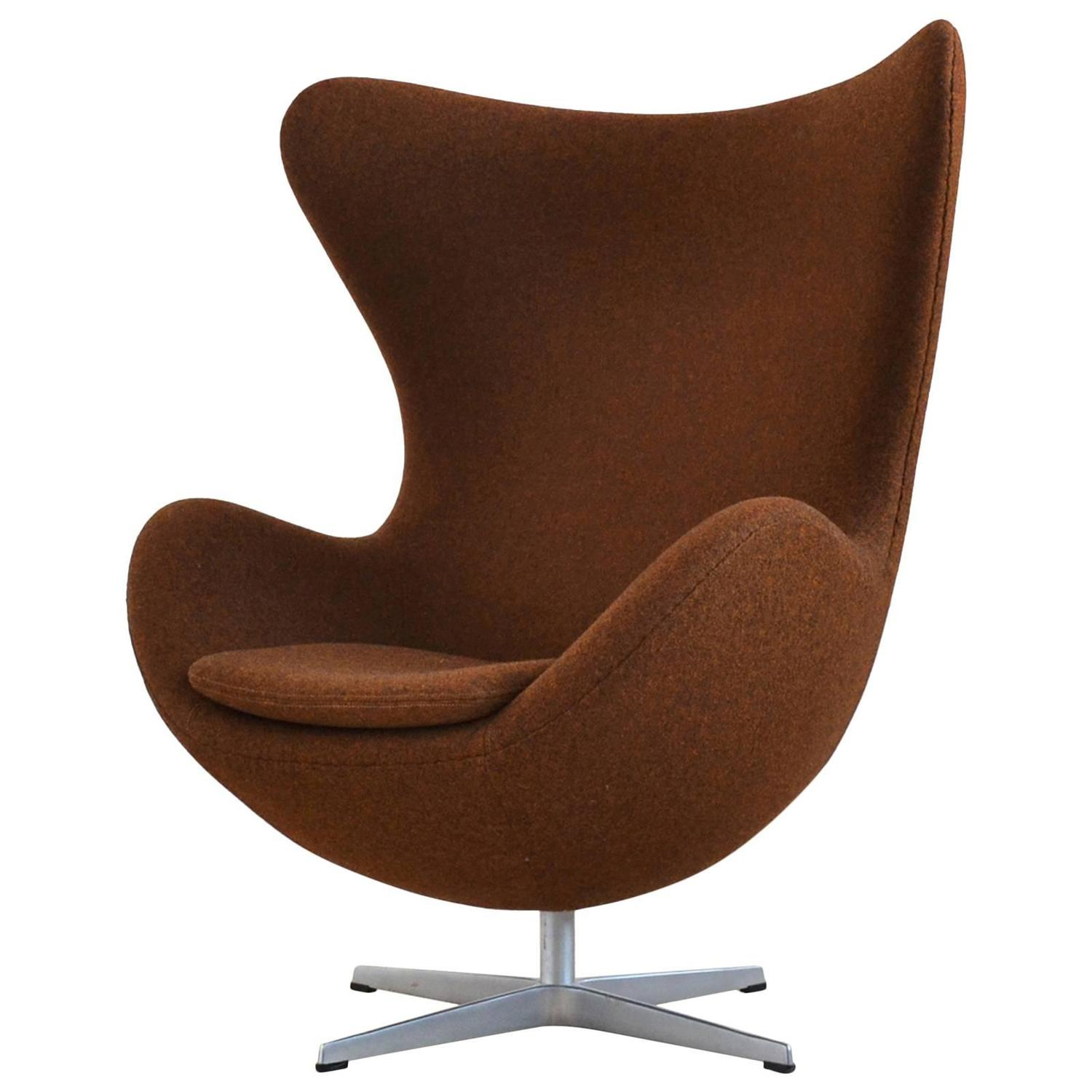This arne jacobsen swan chair in cognac leather by fritz hansen is no - Arne Jacobsen Egg Chair By Fritz Hansen In Divina Melange