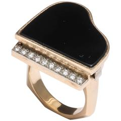 Piano Pill Ring in 18-Karat Gold and Onyx with Diamond Keys