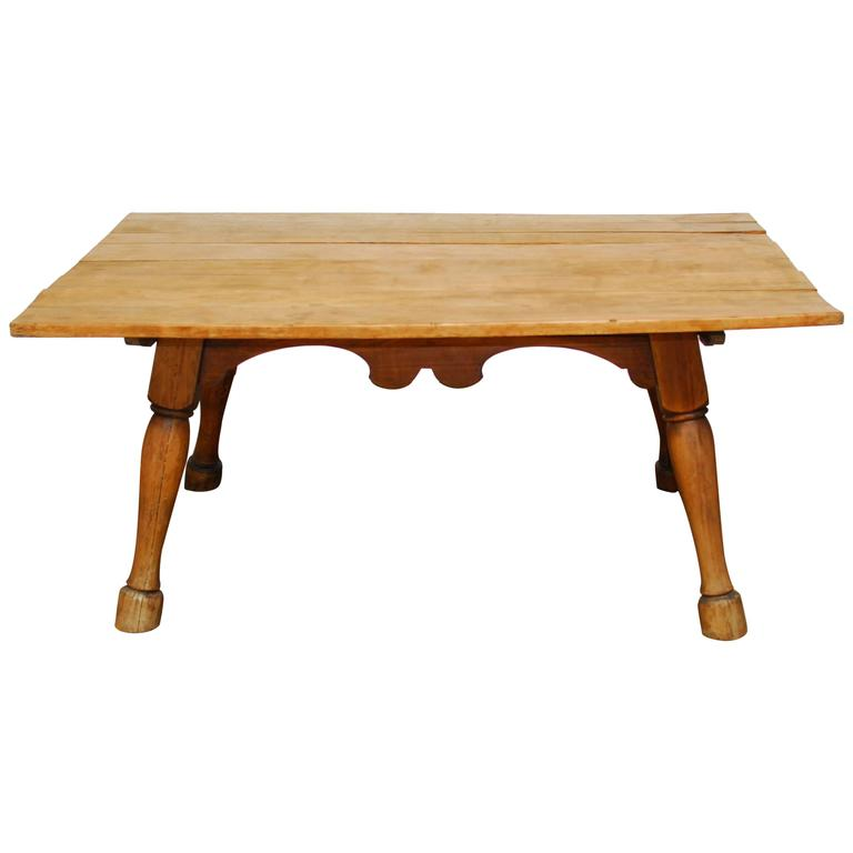 19th Century English Tavern Table with Horse Legs
