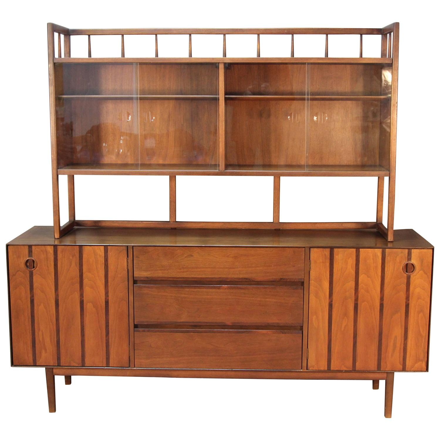 Mid-Century Modern Credenza and Bookcase For Sale at 1stdibs