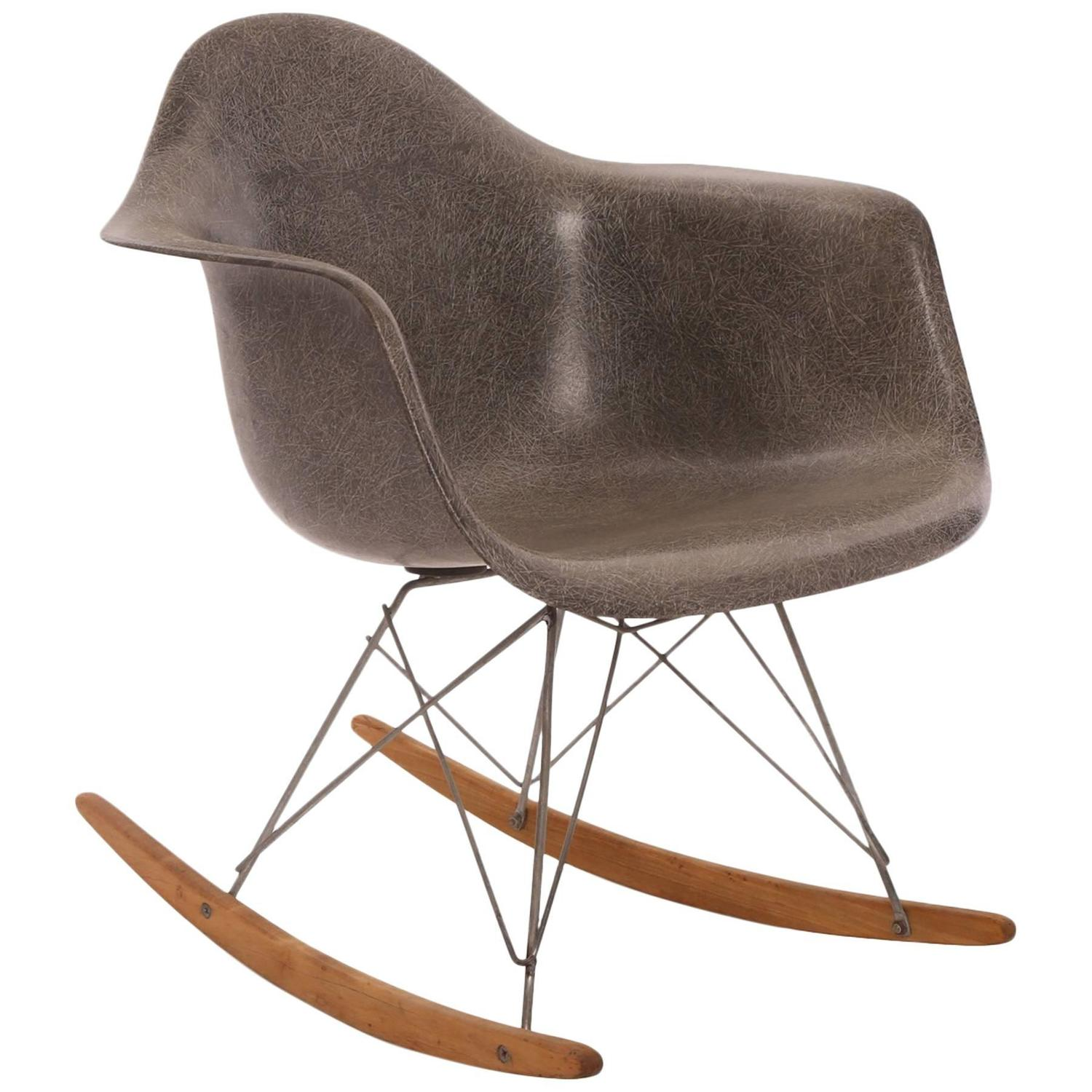 early all original eames herman miller rocking chair at 1stdibs