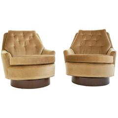 Pair of Swivel Chairs by Milo Baughman