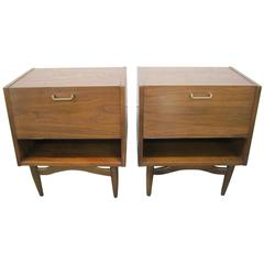 Stylish Pair of American of Martinsville Walnut Nightstands Mid-Century Modern