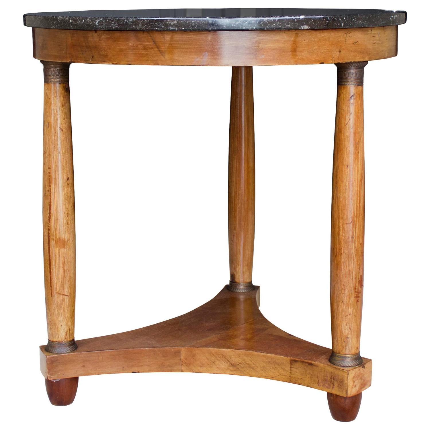 French marble top gu ridon table with brass fittings at for Table gueridon