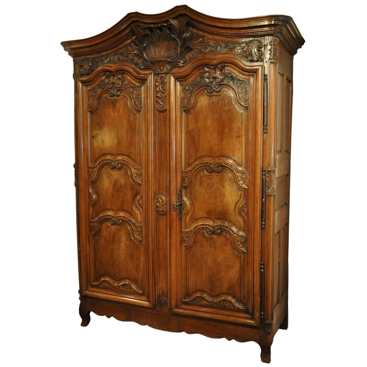 18th century country french louis xv carved walnut armoire. Black Bedroom Furniture Sets. Home Design Ideas