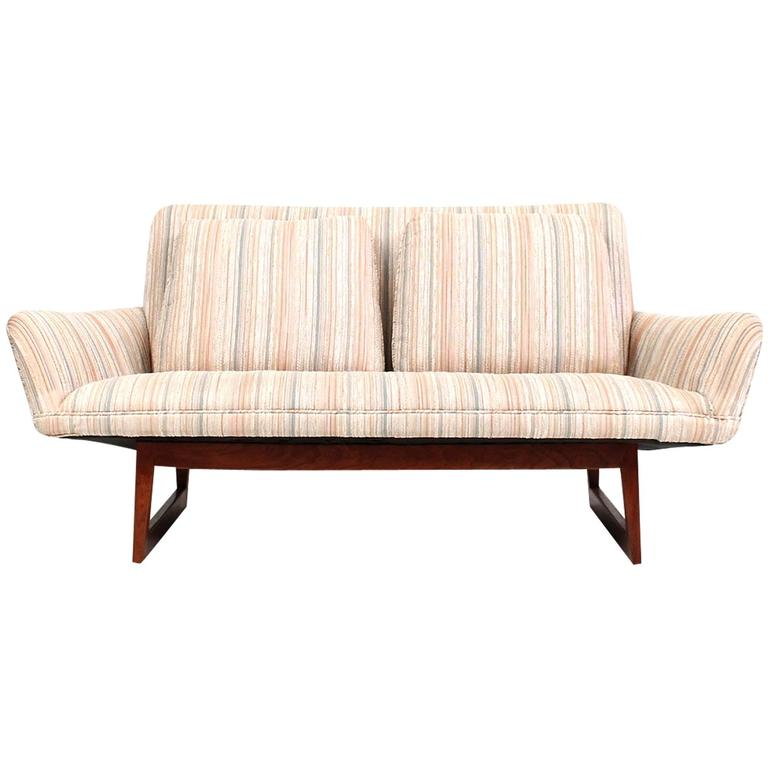Sculptural Jens Risom Sofa or Settee