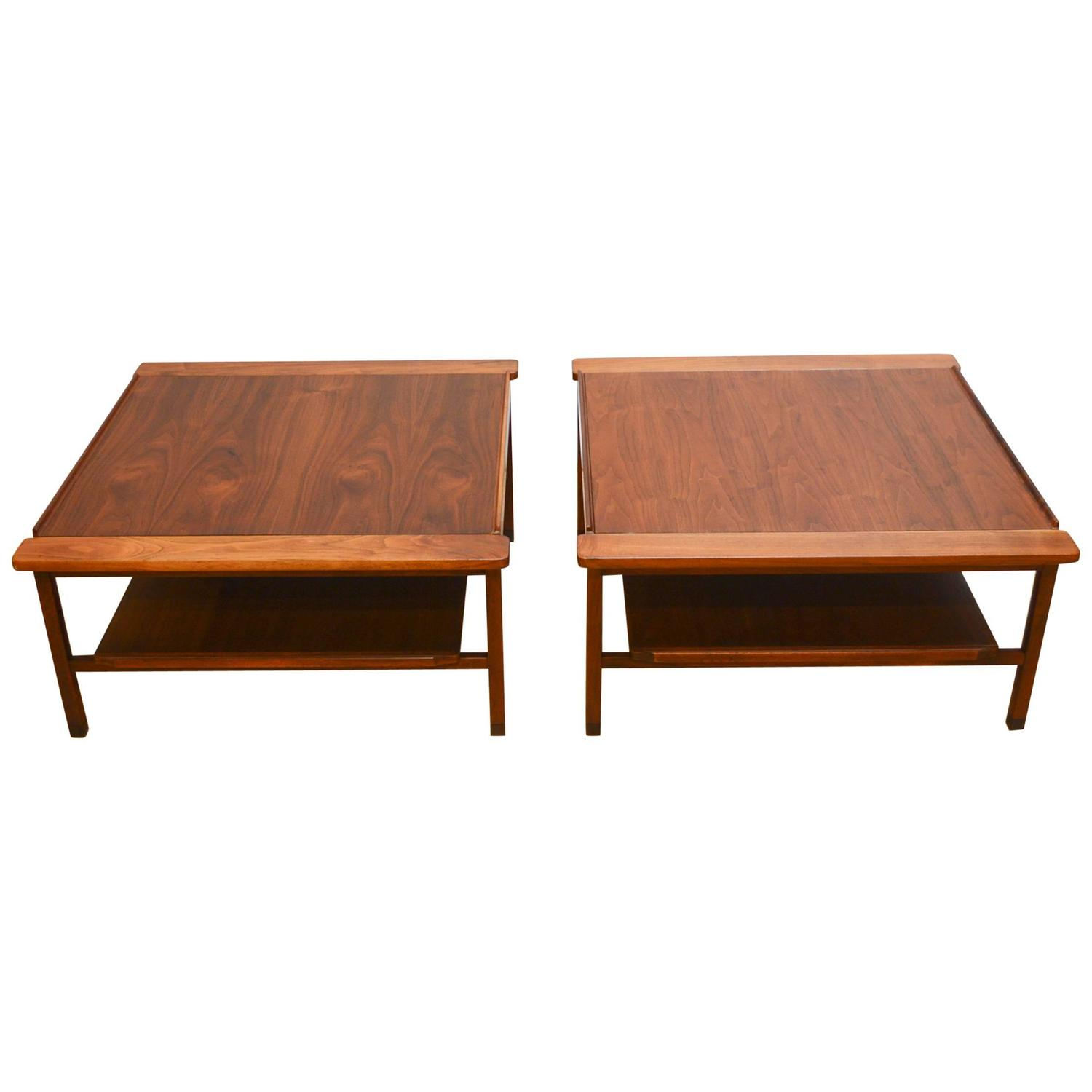 Pair Of Mid Century Modern Walnut End Tables At 1stdibs