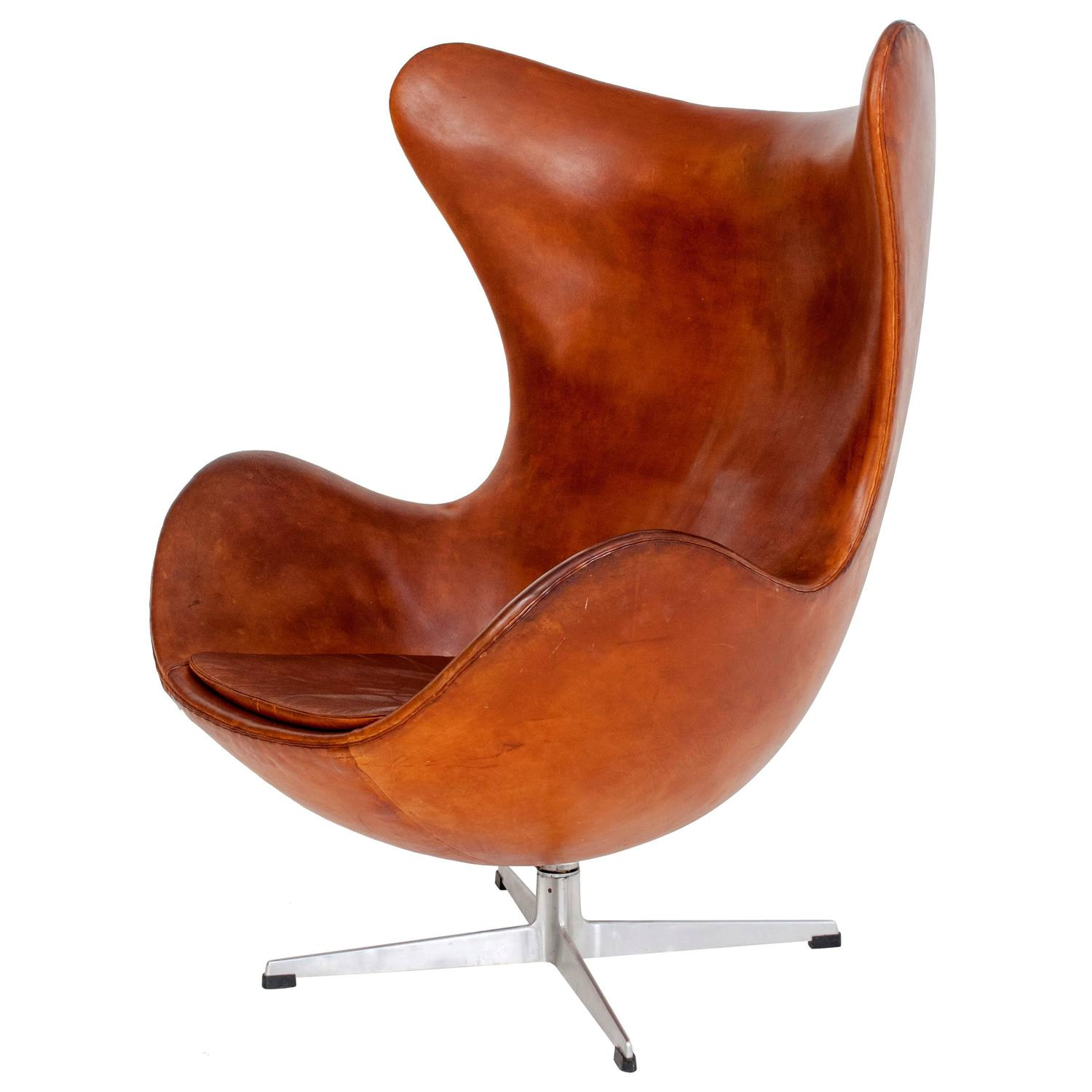 Arne jacobsen egg chair at 1stdibs for Egg chair jacobsen