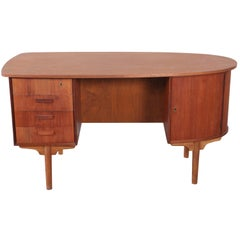 """Curved """"Journalist"""" Desk with Open Back Display Shelf"""