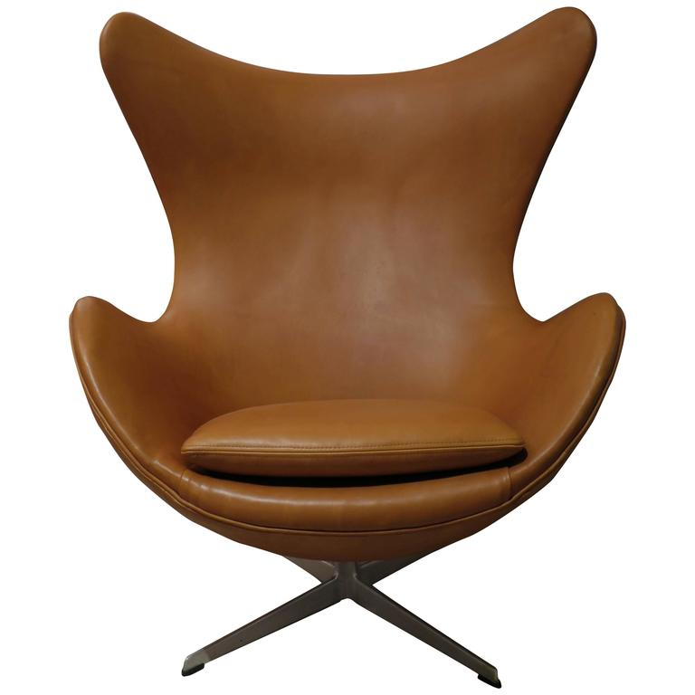 early arne jacobsen egg chair by fritz hansen 1960s at