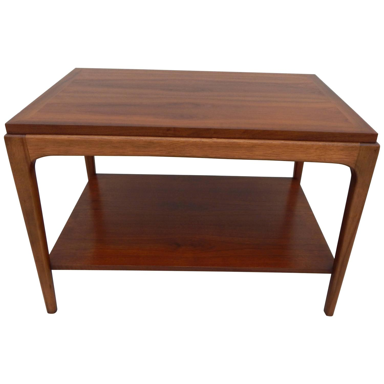 Incroyable Lane Walnut End Table At 1stdibs
