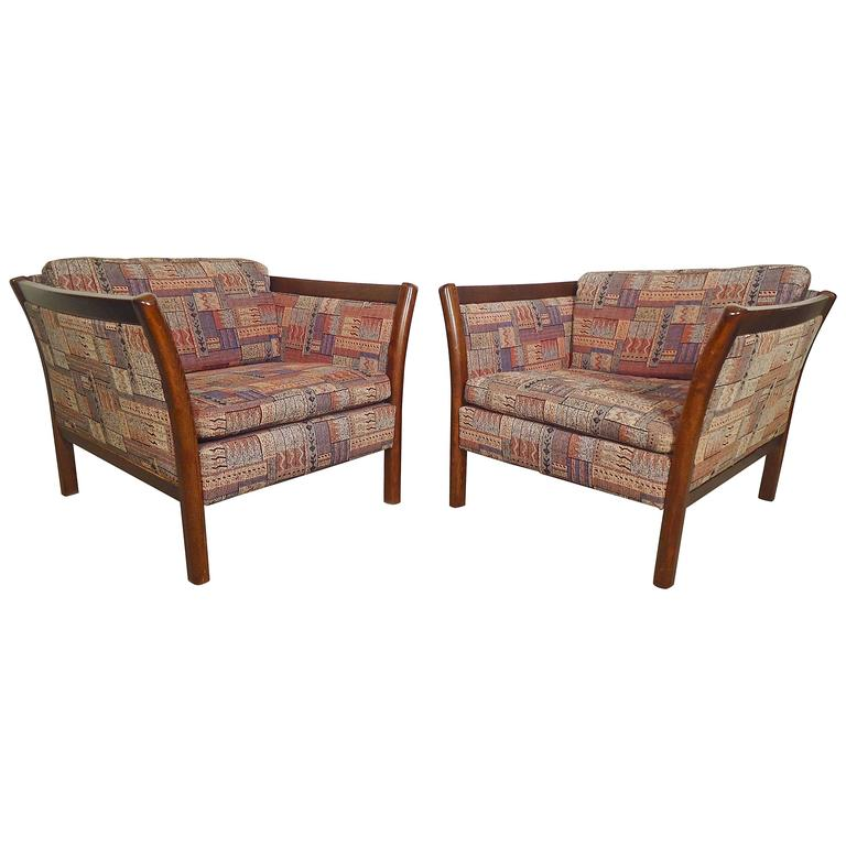 Curved Arm Lounge Chairs For Sale at 1stdibs
