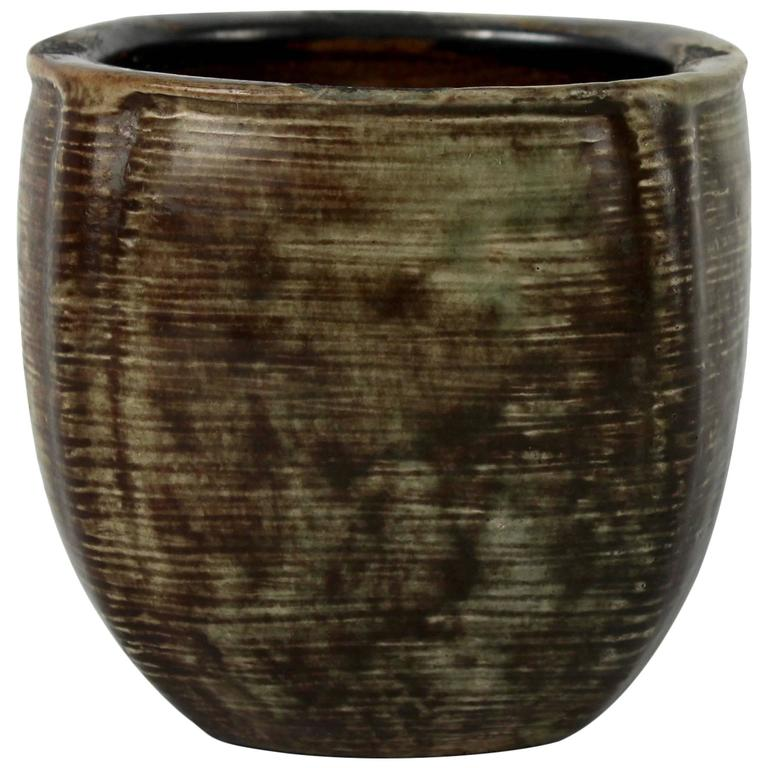 Martin Brothers English Studio Art Pottery Stoneware Vase Or Jardiniere For Sale At 1stdibs